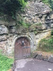 2a Building Hill door