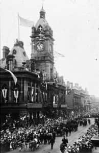33a Town Hall WW1 victory parade