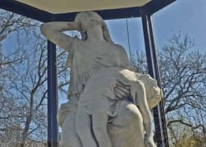 4c Victoria Halll statue detail