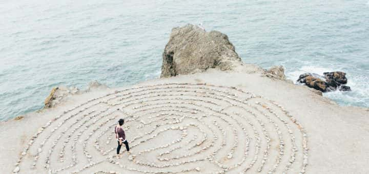 Maze (Ashley Batz on Unsplash)