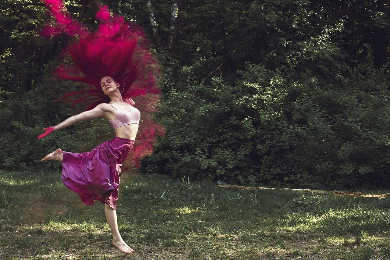 Holi dancing